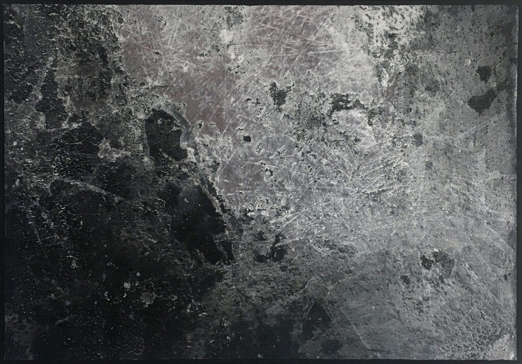 AB#16b-2020(Gravity), 29,5x20,5cm, charcoal, gesso, oil on canvas mounted on panel